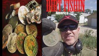 Dirt Fishin America #11:Metal Detecting an Old House. Indians & SILVER